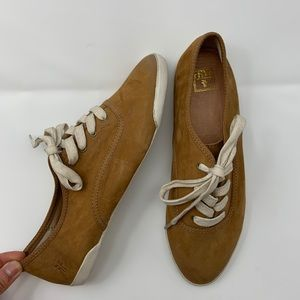 Frye Womens Pointy Toe sneakers Tan Leather Size 9